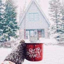 JOY TO THE WORLD ☕️ - Rester au coin du feu, profiter des derniers instants de la magie de Noël en dégustant un bon chocolat chaud fait maison... ⠀⠀⠀⠀⠀⠀⠀⠀⠀ 📸 @chalkfulloflove⠀⠀⠀⠀⠀⠀⠀⠀⠀ -⠀⠀⠀⠀⠀⠀⠀⠀⠀ #noel #chocolatchaud